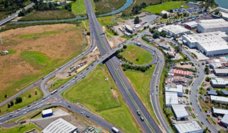 Lincoln Road Interchange on the Northwestern Motorway will be upgraded to improve congestion and motorist safety.